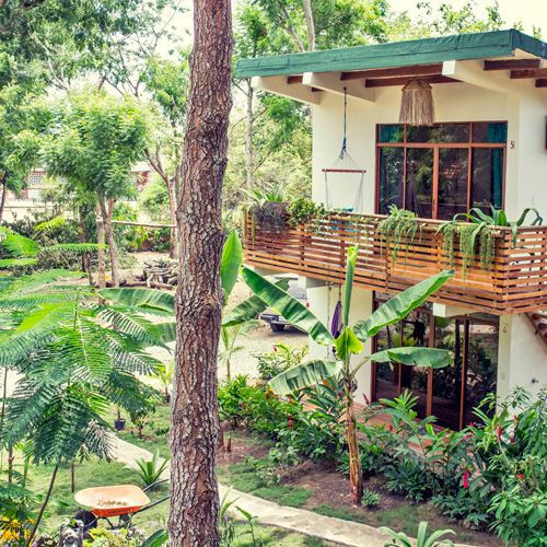 Spondylus Lodge Hotel - Small building, with two private rooms in Ayampe, Ecuador